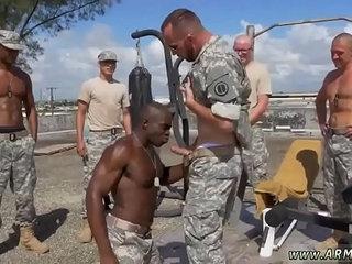 Как в армии без секса кажется